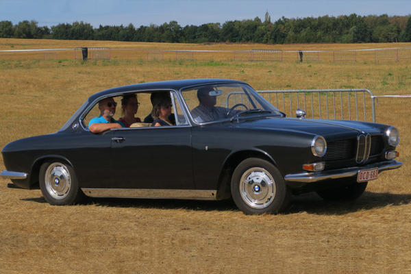bmw-throughout-history-3200-cs